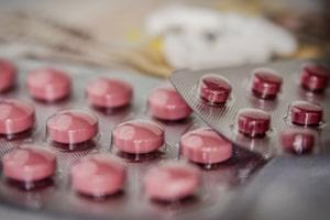 Traitements médicamenteux chute cheveux à Perpignan et Narbonne